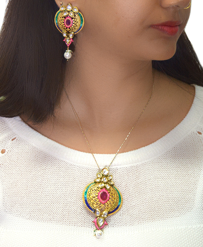 Gold Plated Umika Kundan Pendant Set