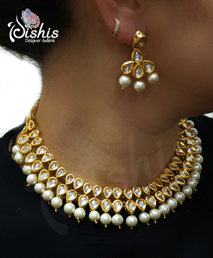 Exquisite Aasya Kundan Necklace Set