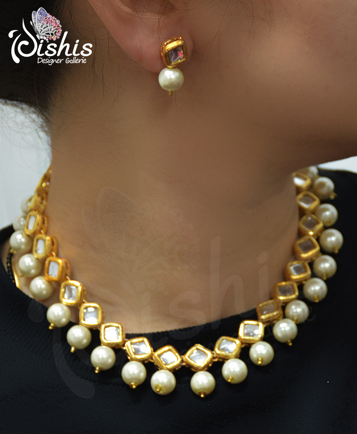 Gold Plated Charming Kanishk Square Shape Kundan Necklace Set