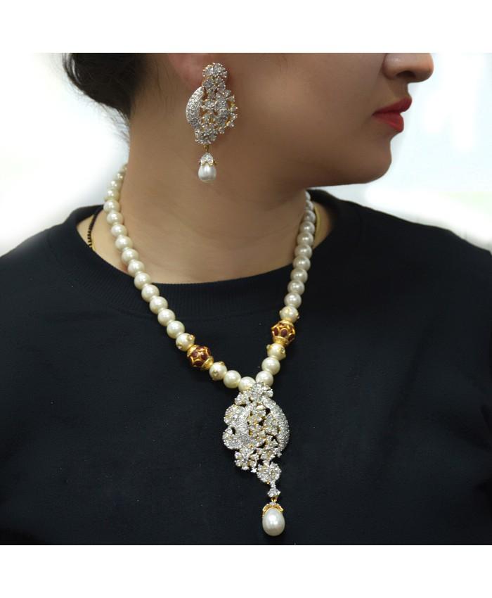 Gorgeous Latika Necklace Set