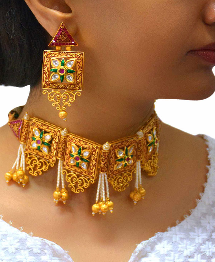 Parinita Gold Plated Traditional Kundan Choker Necklace set